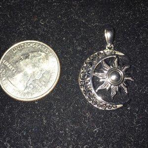 Jewelry - 925 charm pendant